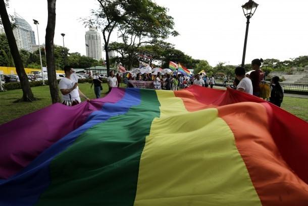 LGBT DI INDONESIA: DIAPIT OLEH HATE-CRIME DAN PORNOGRAFI